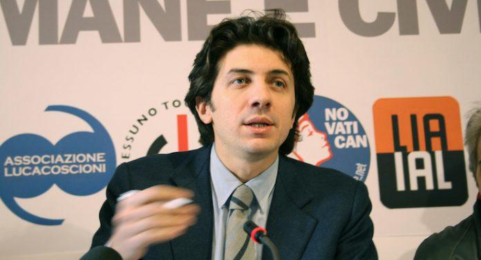 L'attivista Marco Cappato in una conferenza stampa